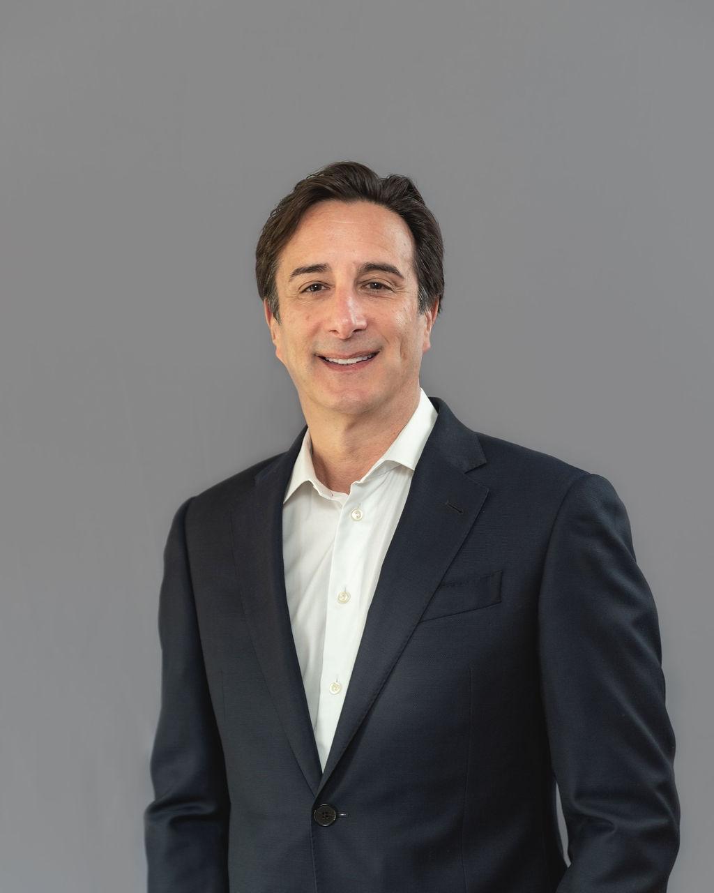 Dr. Leonard Gordon